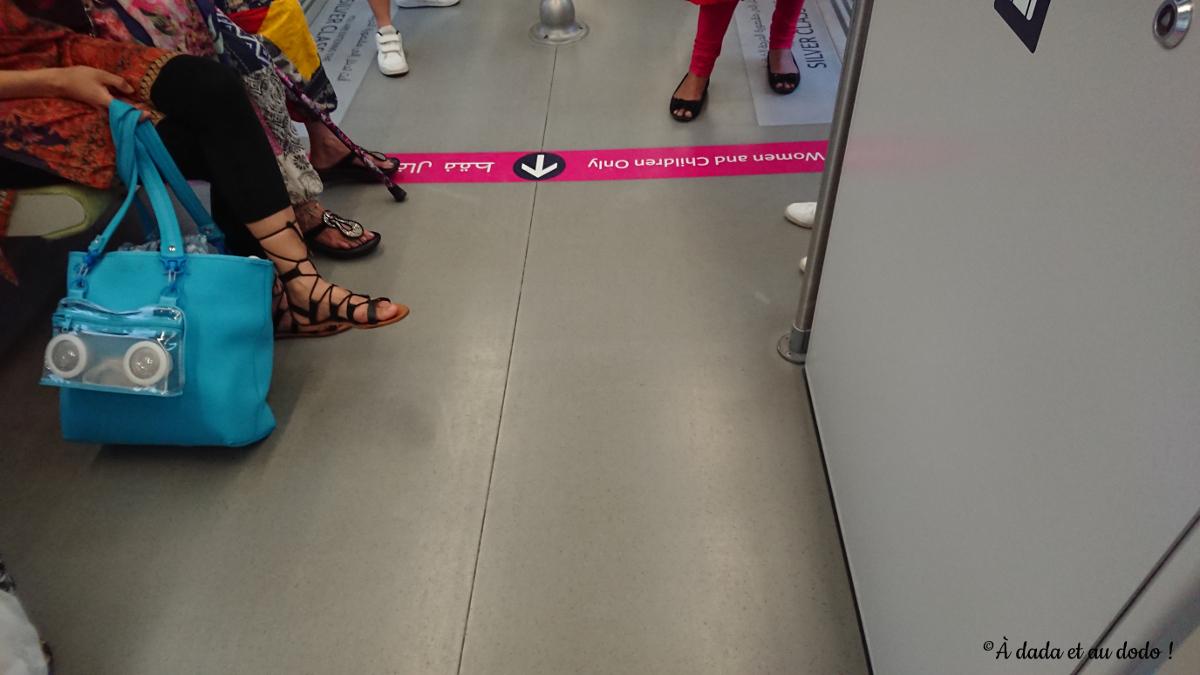 Séparation hommes-femmes dans le métro à Dubaï