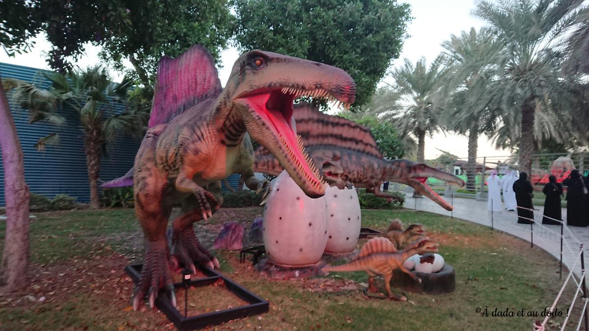 automates de dinosaures à Dubaï Garden Glow