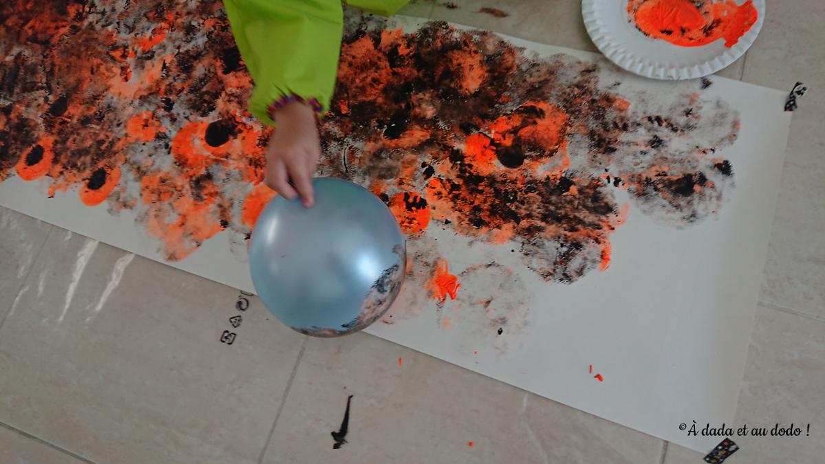 peindre avec un ballon
