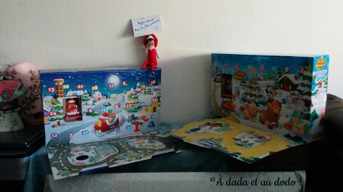 Arrivée du lutin du Père Noël avec les calendriers de l'Avent