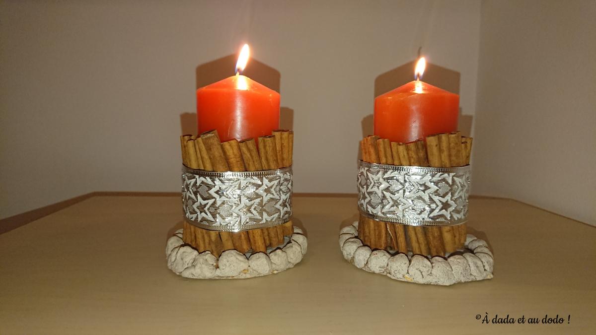 Bougies entourées de cannelle
