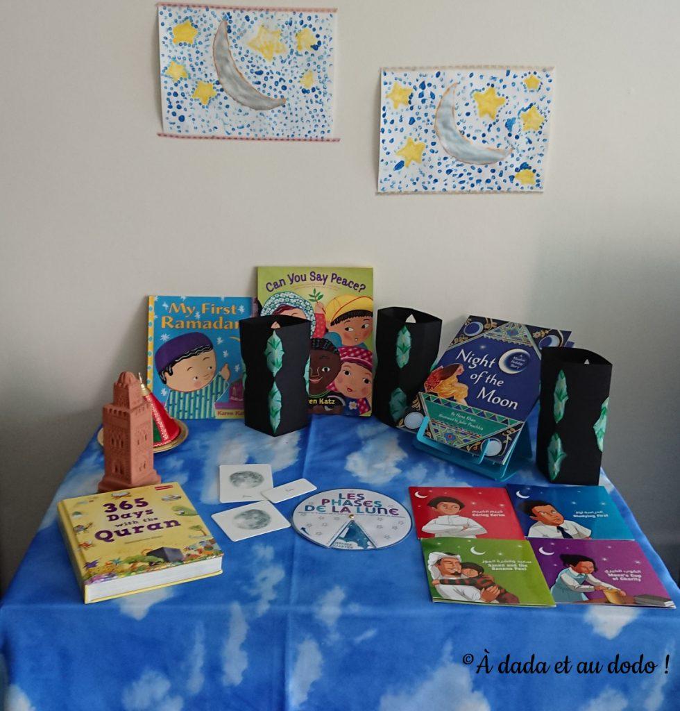 notre table d'étude du ramadan avec nos lanternes orientales