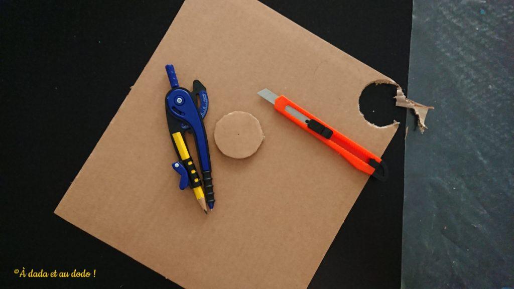 Couper des cercles de carton au cutter